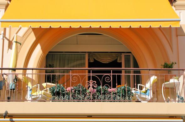 stylische balkongestaltung f r zuhause. Black Bedroom Furniture Sets. Home Design Ideas